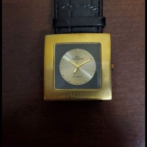 Gold Centere Quartz Watch